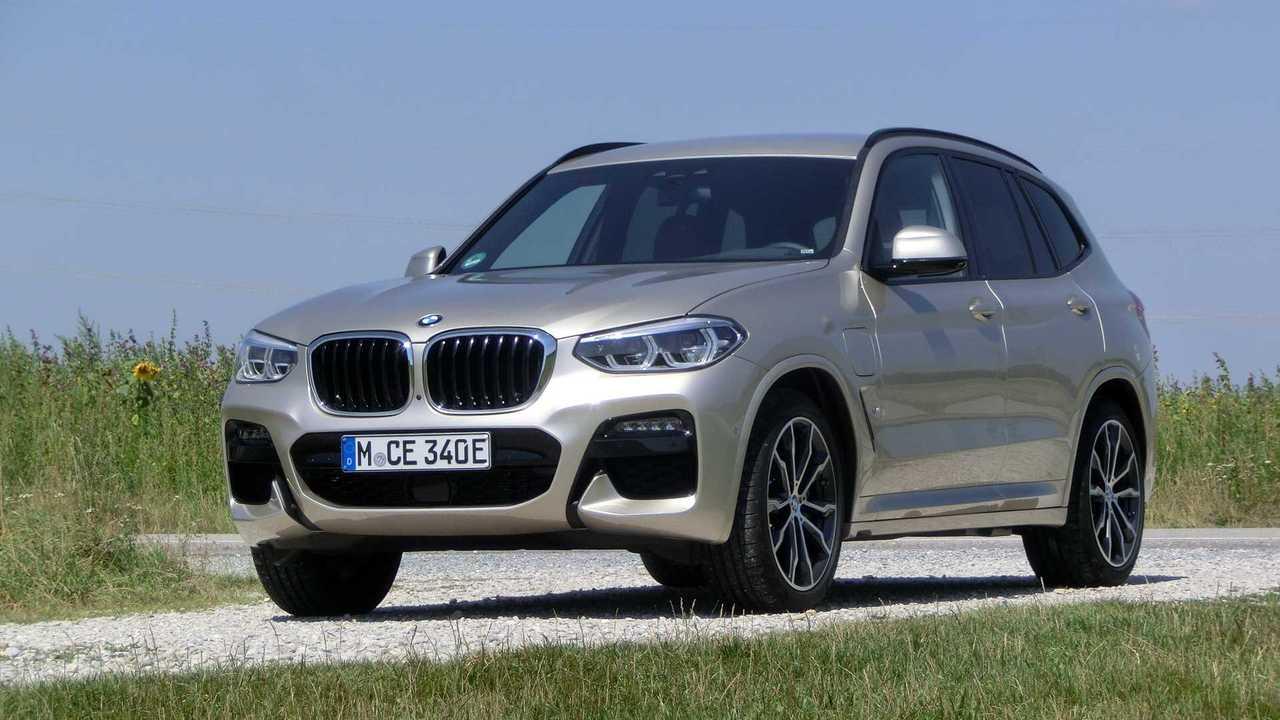 BMW X3 30e (2020): Das Plug-in-SUV von schräg vorn