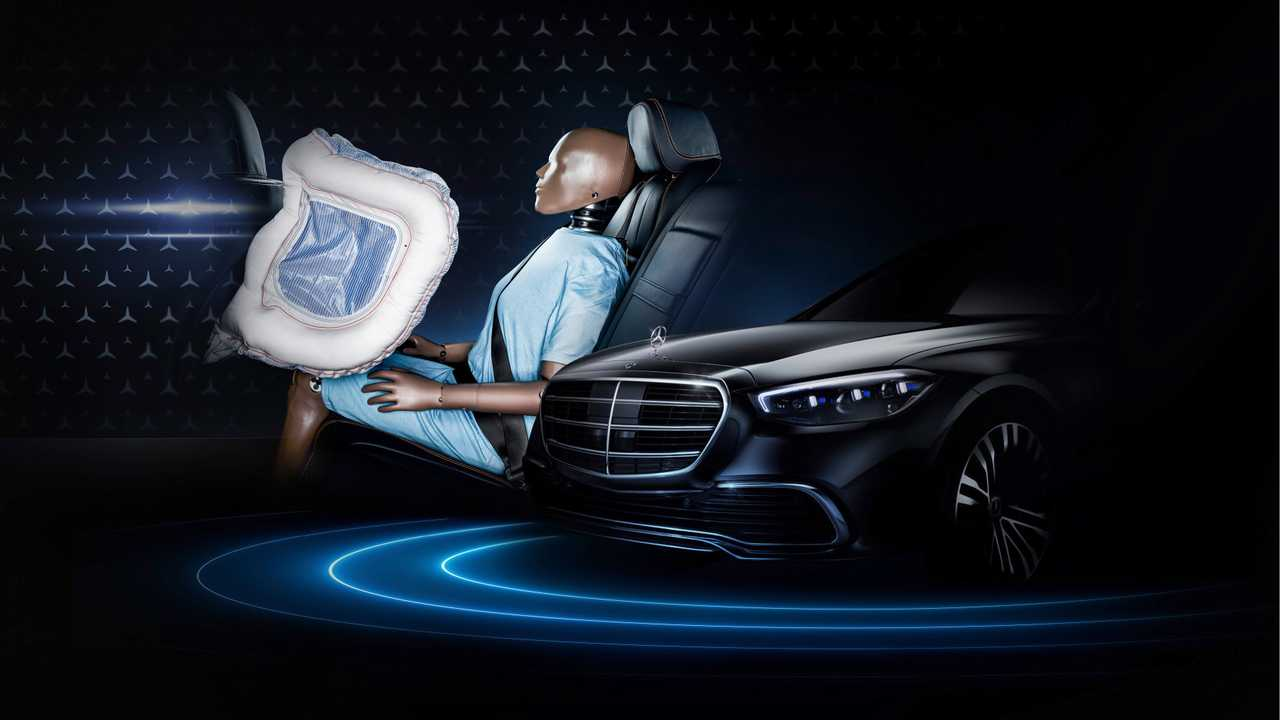 New Mercedes S-Class Rear-Seat Front Airbags Teaser
