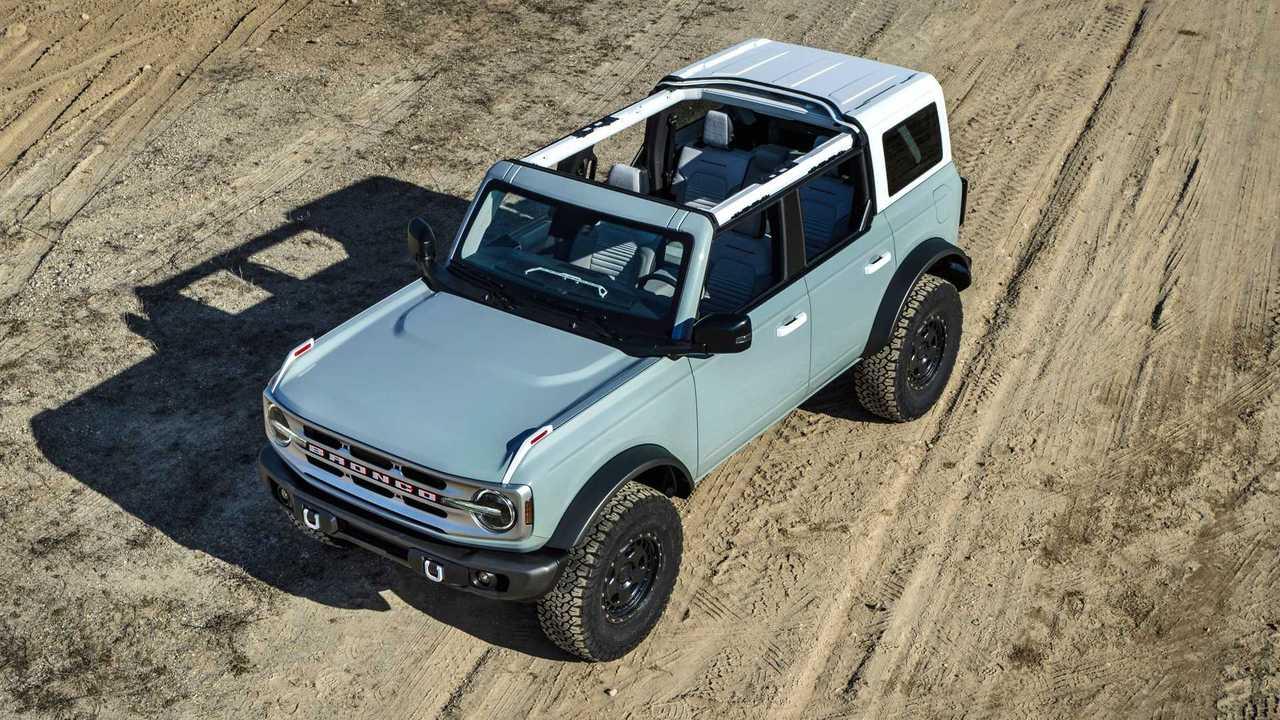 2021 Ford Bronco Photos