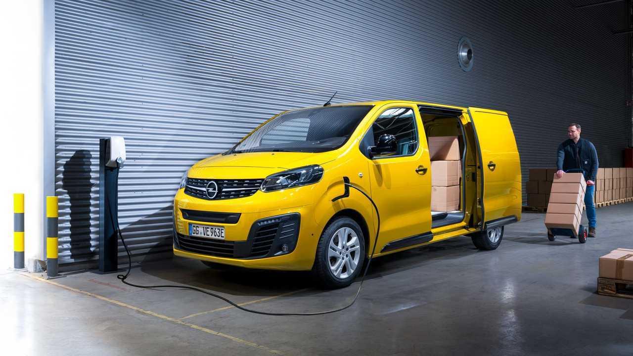 Opel Vivaro-e charging