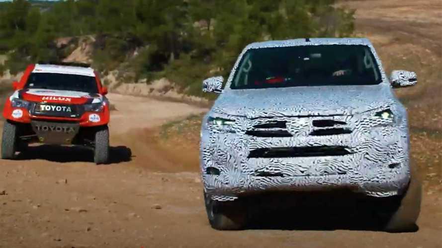 Nuovo Toyota Hilux provato da Fernando Alonso in Spagna