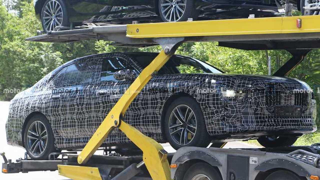 BMW i7 casus fotoğrafları