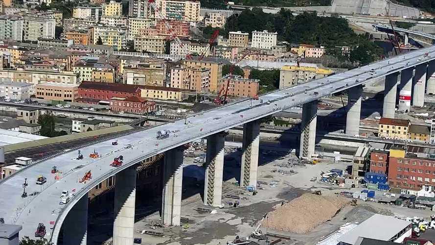 Nuovo ponte di Genova, è passata la prima auto