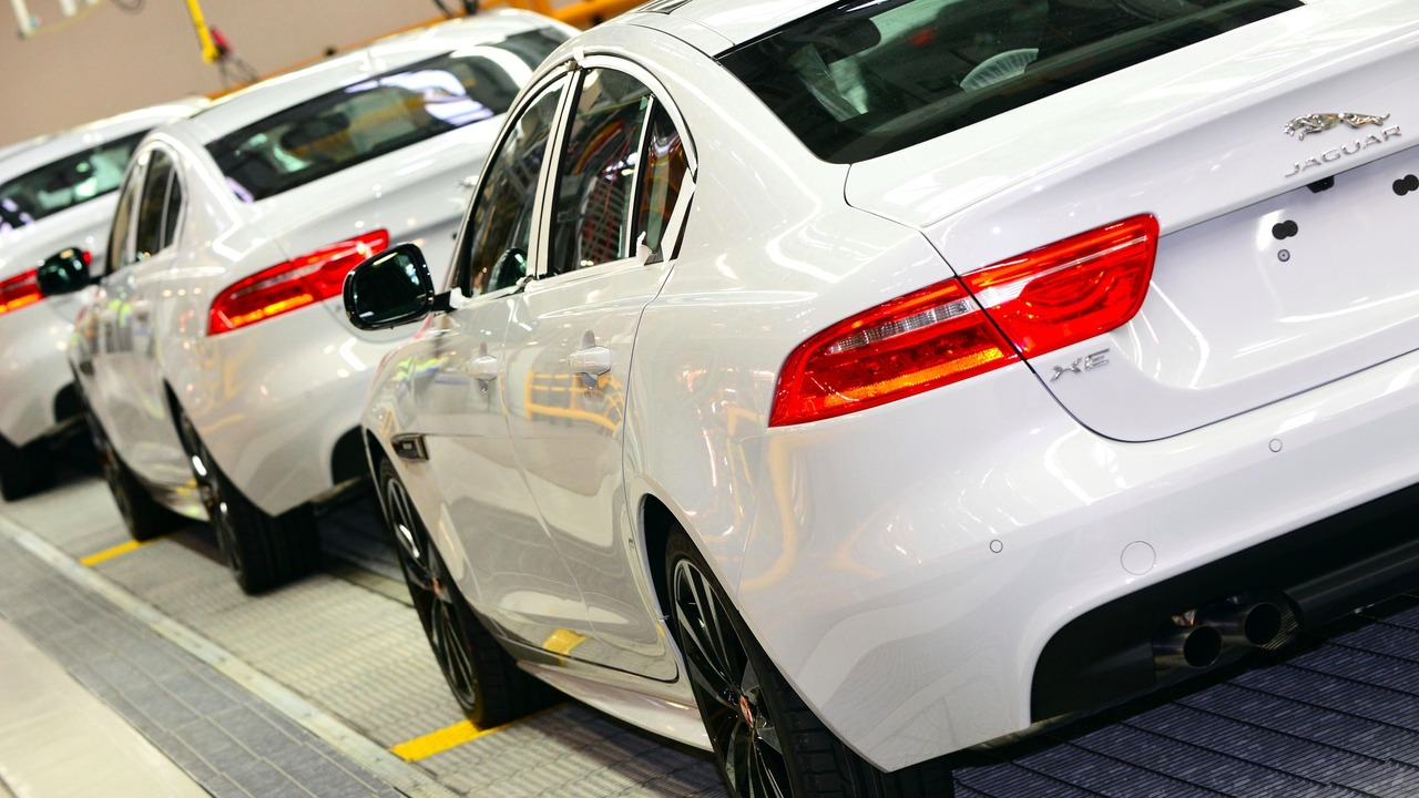 Production de la Jaguar XE