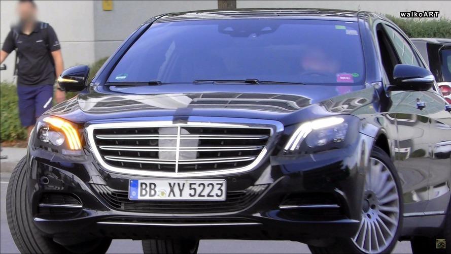 2018 Mercedes S Serisi, güncellenmiş iç mekanı ve ön farlarıyla karşımızda