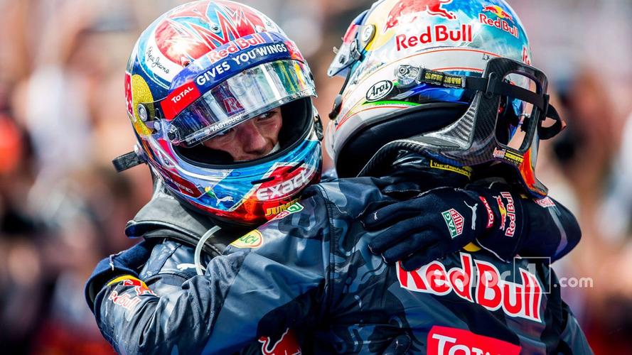 Le troisième, Max Verstappen, Red Bull Racing et le deuxième Daniel Ricciardo, Red Bull Racing