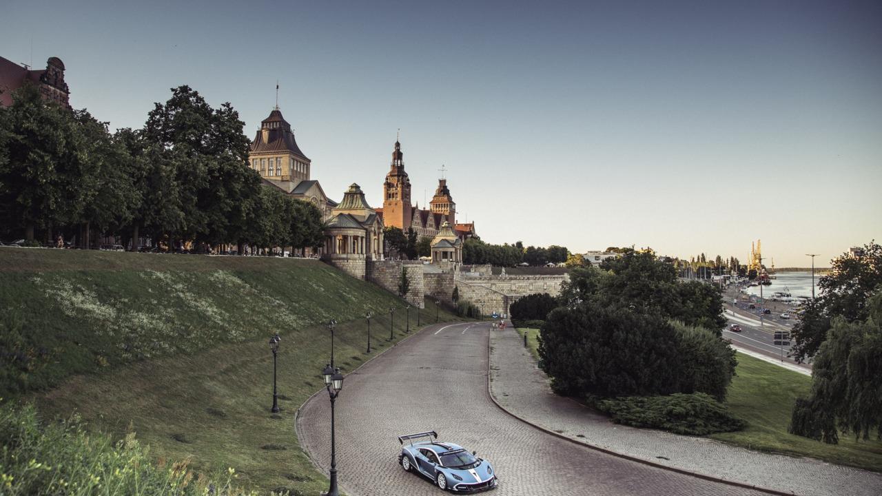 Arrinera Hussarya GT in Warsaw