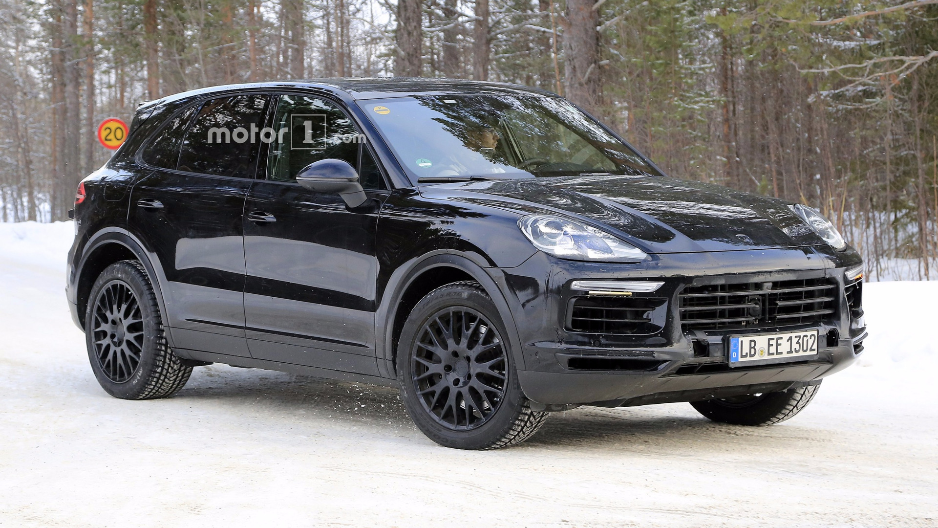 Cayenne Turbo S >> Porsche Confirms Bonkers Cayenne Turbo S E Hybrid With 671 Hp