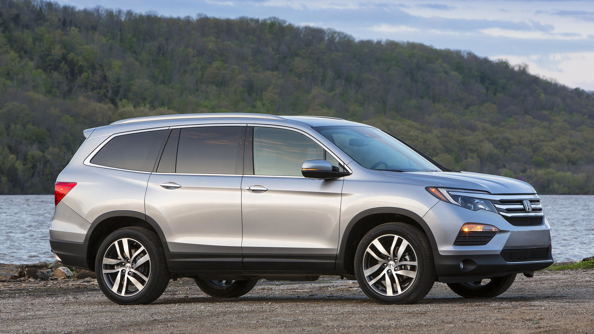 2017 Honda Pilot Updated Except For The One Thing We Wanted Most