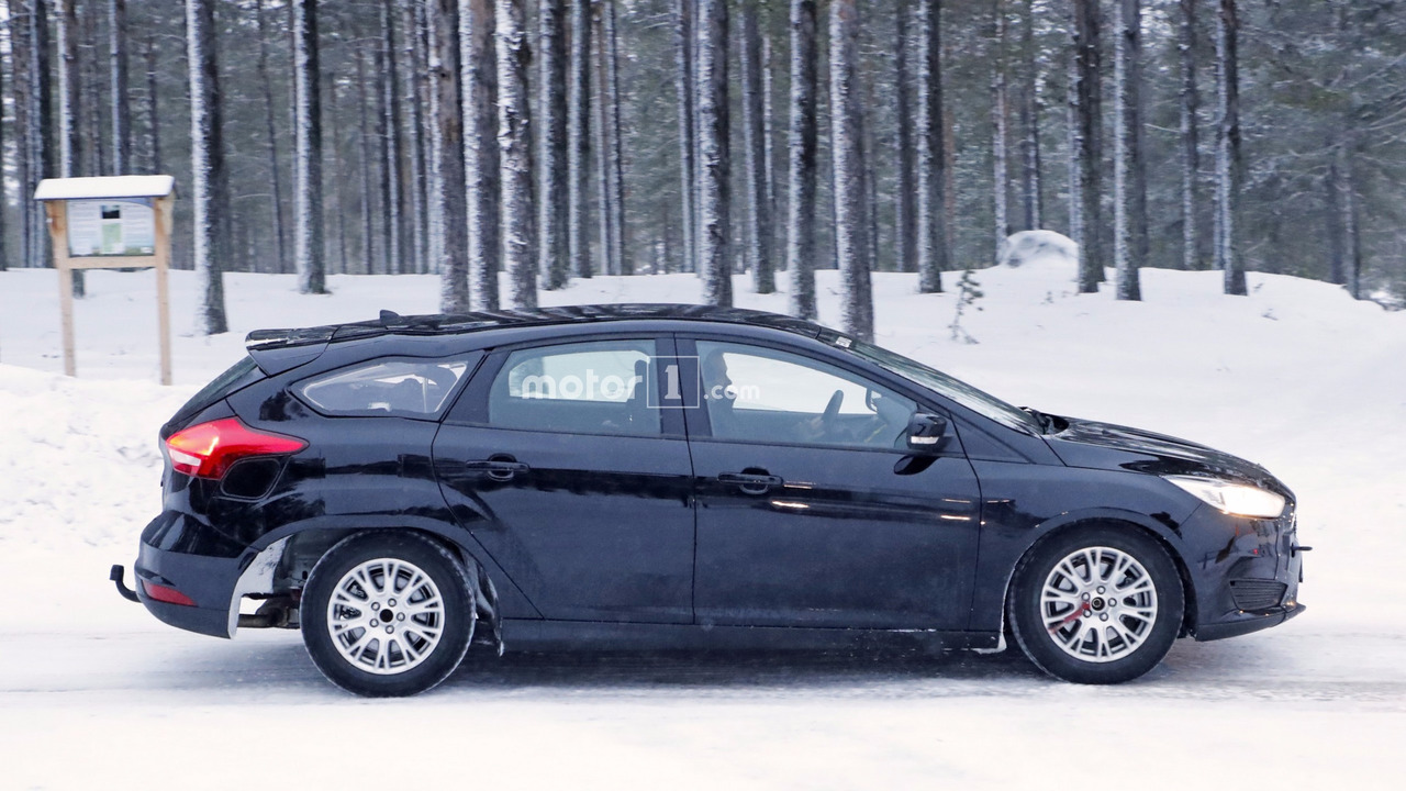 2019 Ford Focus wagon test aracı casus fotoğrafları