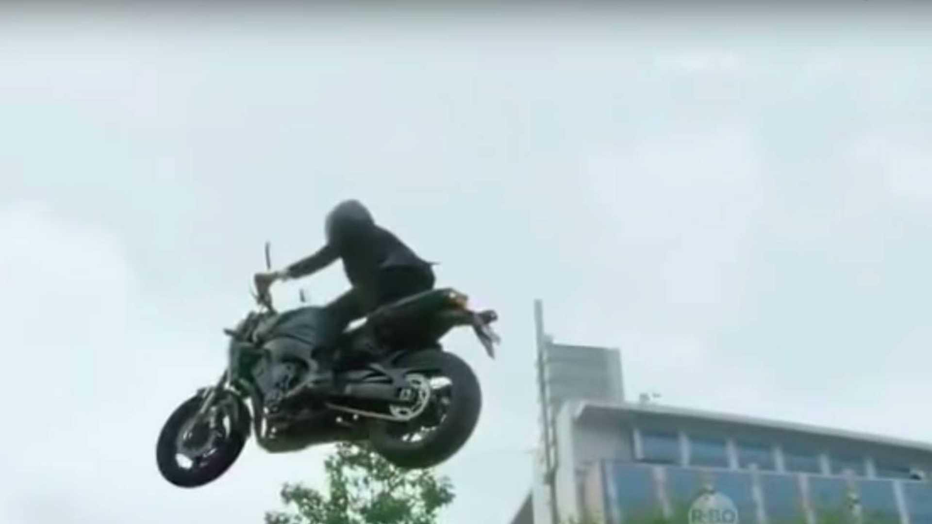 watch indonesia s president show off his sick bike skills