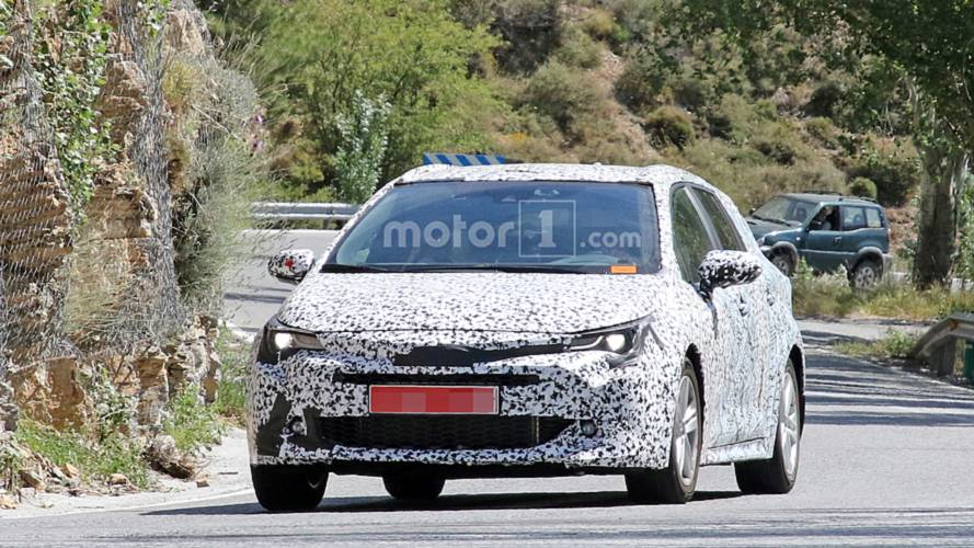 Toyota Auris Touring Sports 2019 fotos espia