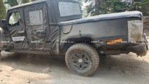 Jeep Scrambler Pick-Up'ının Arazideki Casus Fotoğrafları