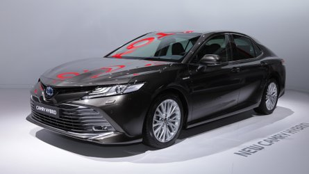 Toyota Camry Euro spec in Paris is an overdue Avensis replacement