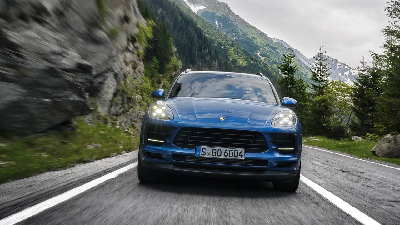 2019 Porsche Macan Arrives In Paris With 2 0 Liter Turbo Engine