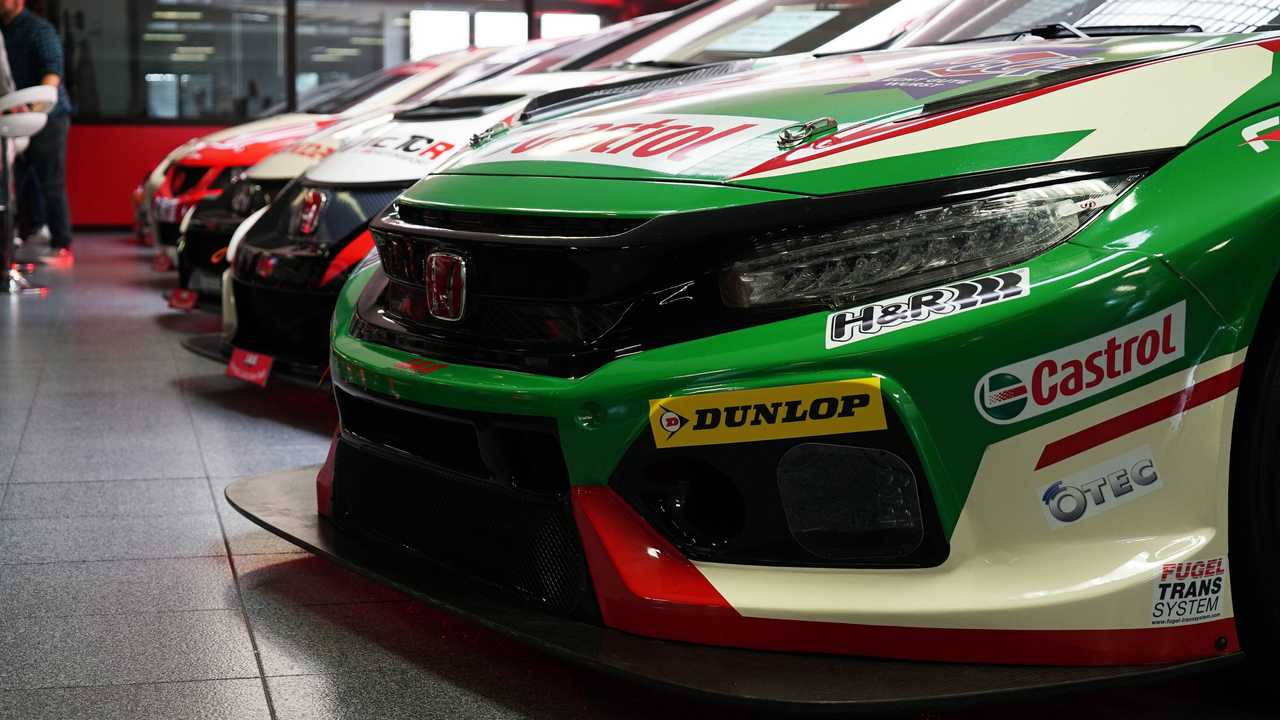 How The Honda Civic Type R Becomes A 170 000 Race Car
