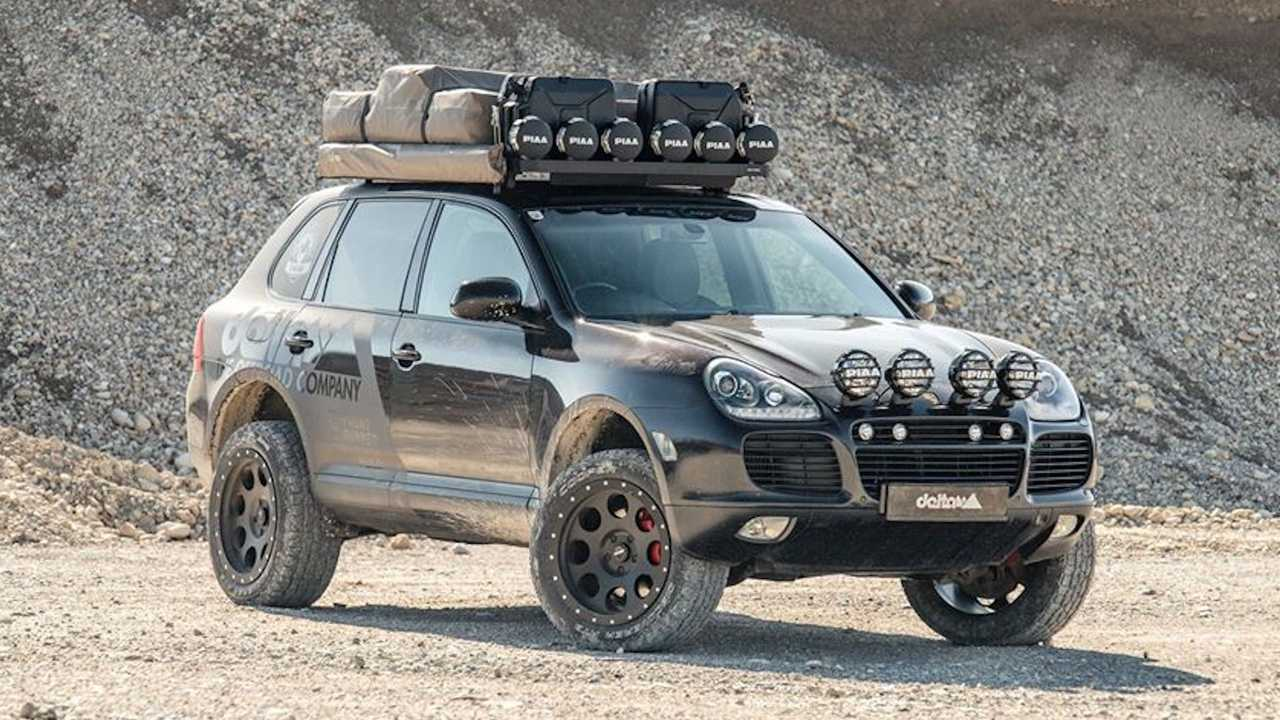 Lifted Porsche Cayenne With PIAA Rally Lights