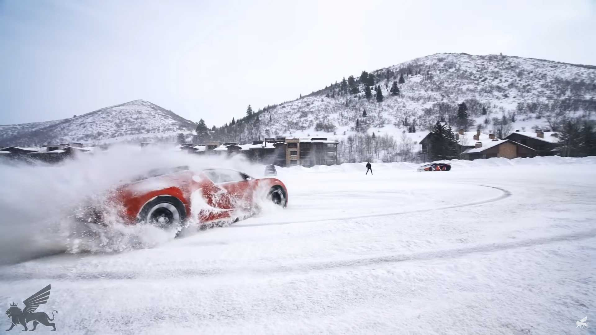 Bugatti Veyron, Lamborghini Aventador snežná šou