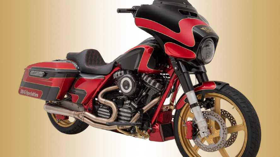 King Of The Baggers Puts Big Bikes On The Track