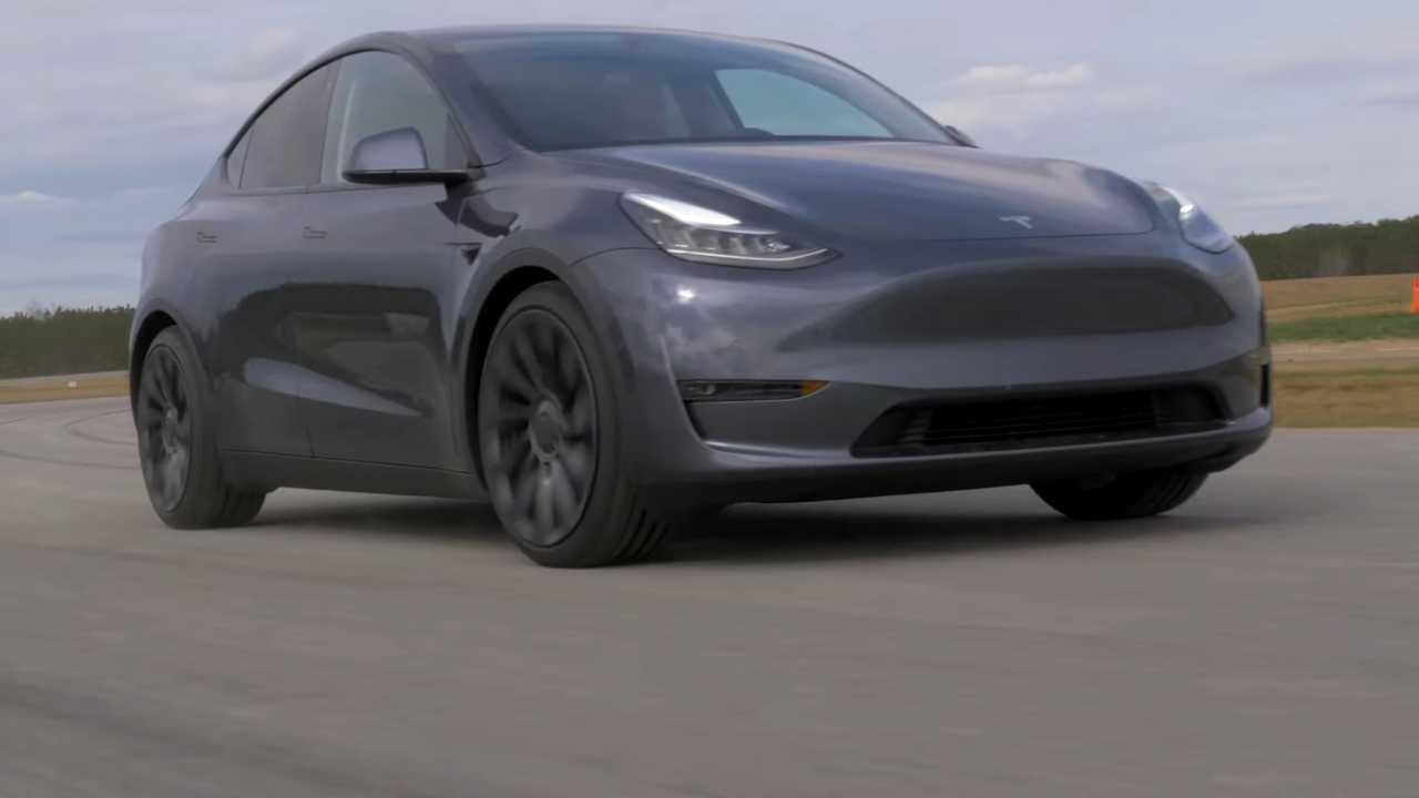 Tesla Model Y, la prova italiana