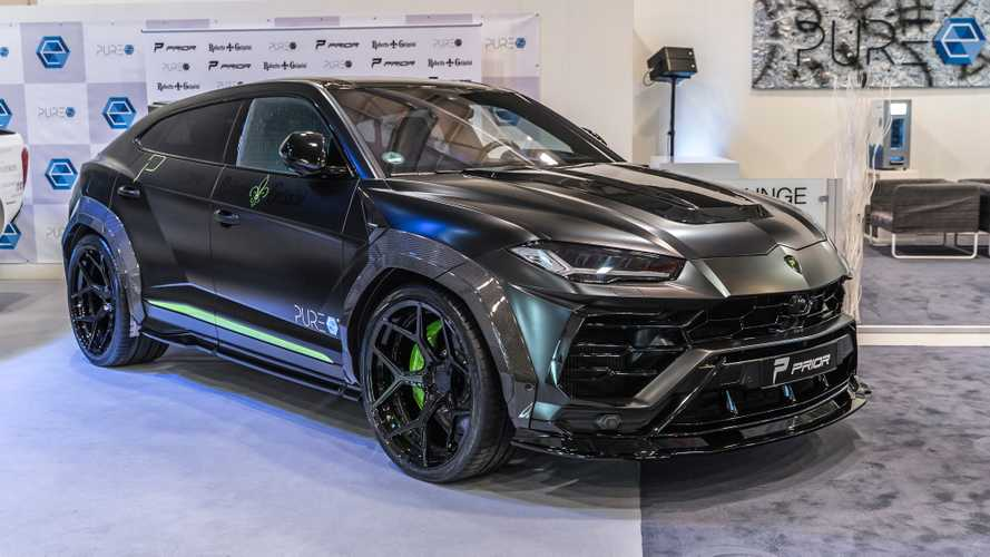 Does the Lamborghini Urus look good on giant 24-inch wheels?