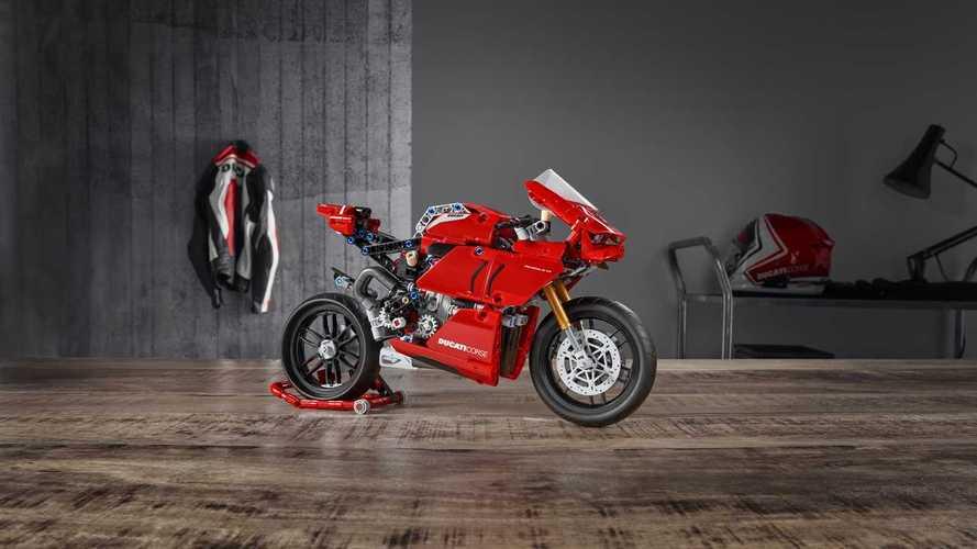 Ducati Panigale V4 R LEGO Technic, la superbike di mattoncini