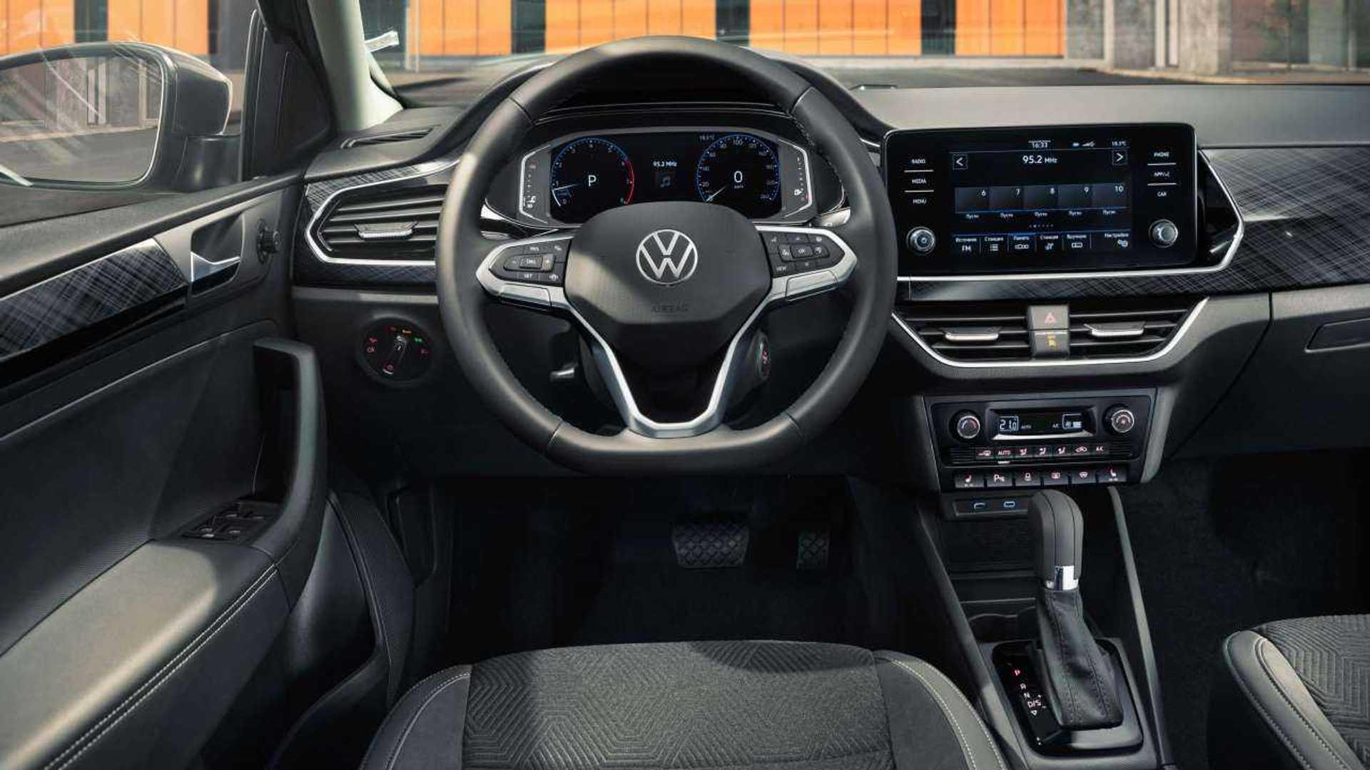 2020 Volkswagen Polos Photos