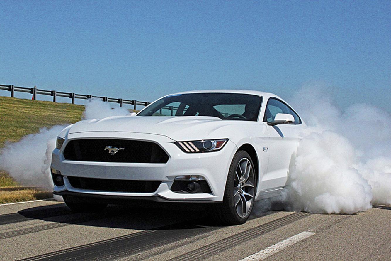 2015 Ford Mustang EcoBoost Returns 31MPG, V6 Worsens