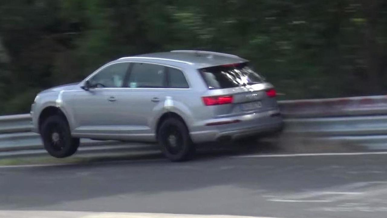 2016 Audi SQ7 crash