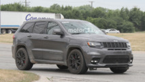 Jeep Grand Cherokee Trawkhawk Spy Shots
