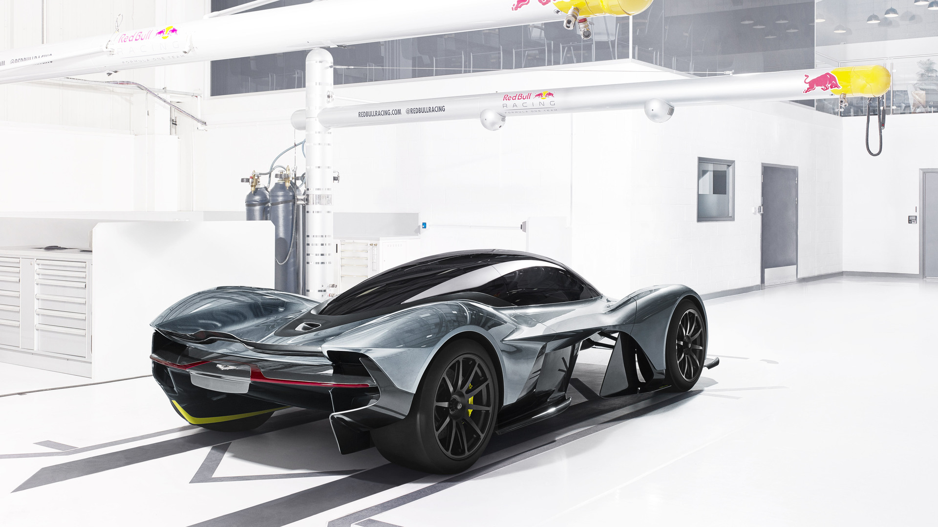 Aston Martin Red Bull Hypercar New Details Divulged 0 200 Mph In 10