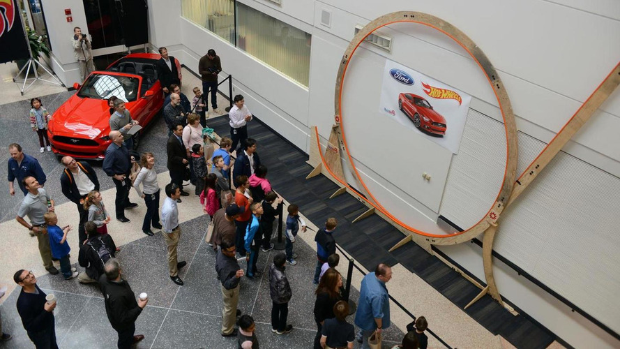 Ford builds the world's largest Hot Wheels loop [video]