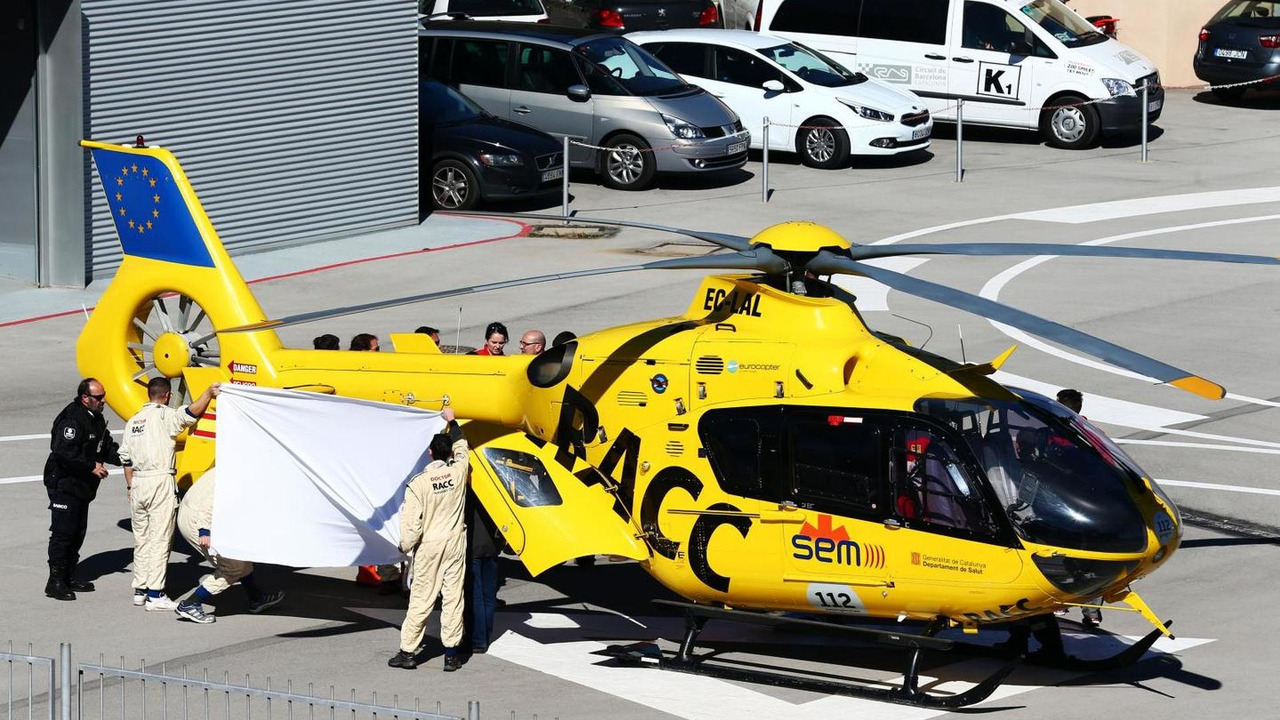Fernando Alonso (ESP) McLaren is airlifted from the circuit in a helicopter, 22.02.2015, Formula One Testing, Day Four, Barcelona, Spain / XPB