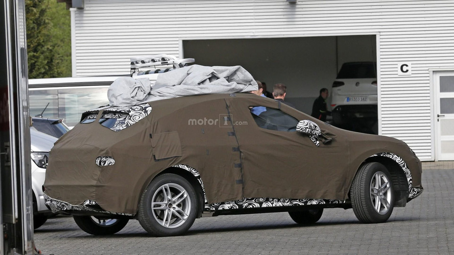 2018 Audi Q3 spied for the first time with double camouflage