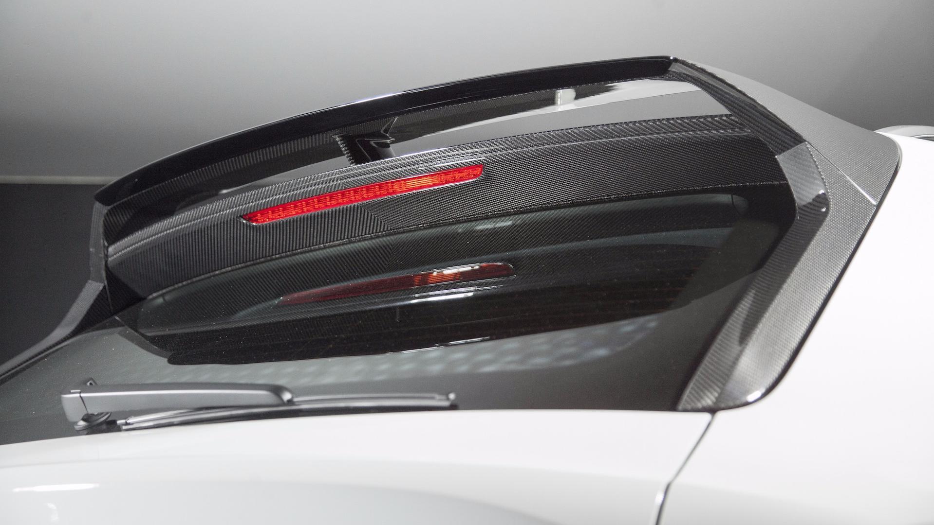 Be A Carbon Pro: Bentayga Gets Aggressive New Carbon Fiber Kit