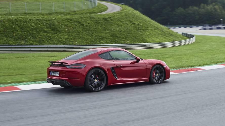 Porsche Cayman T daha düşük ağırlık ve daha çok güçle geliyor