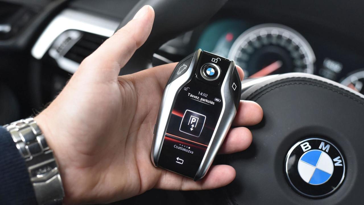 BMW 530d xDrive okoskulcs