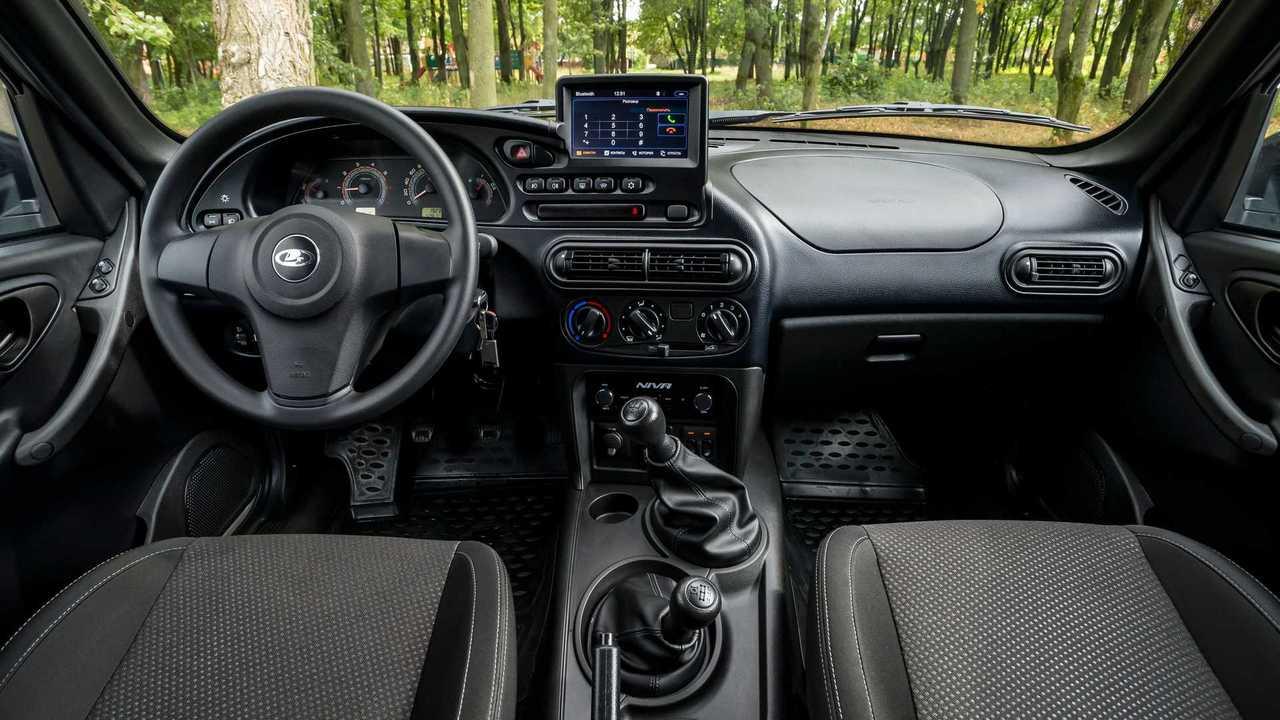 Lada Niva Off-road (2020) – передняя панель