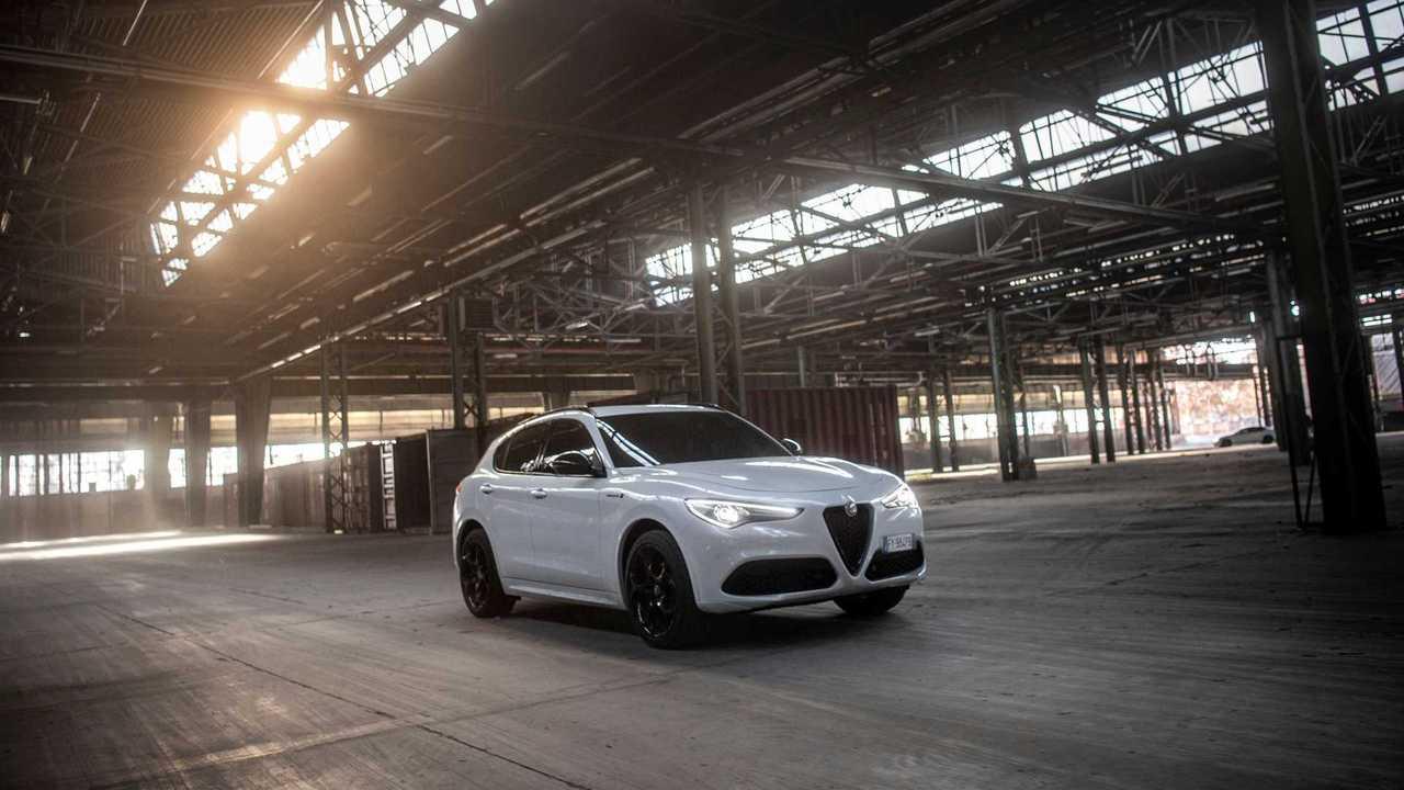 Alfa Romeo Stelvio Ön Cephe
