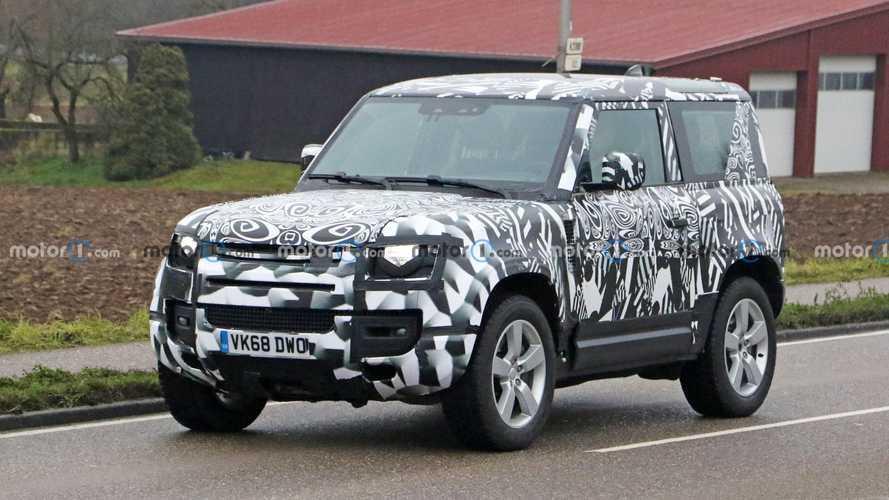 Land Rover Defender 90 spied with V8 engine