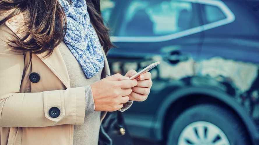 ¿Pueden multarte por conducir con abrigo en invierno?