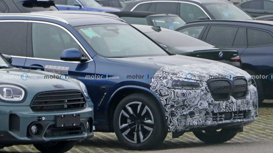 BMW iX3 facelift spy photos