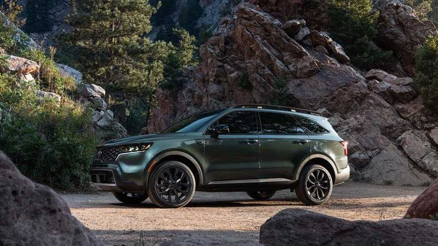 2022 Kia Sorento Plug-In Hybrid Midsize 3-Row SUV Has 30-Mile Electric Range