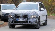 BMW X7 (2022) Facelift mit tieferen Scheinwerfern erwischt