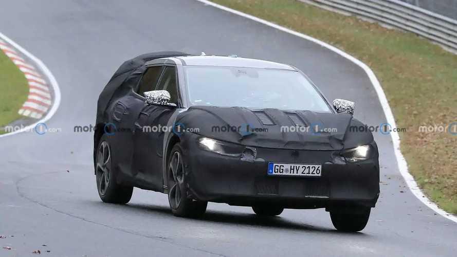 Nuevo crossover eléctrico de Kia, fotos espía