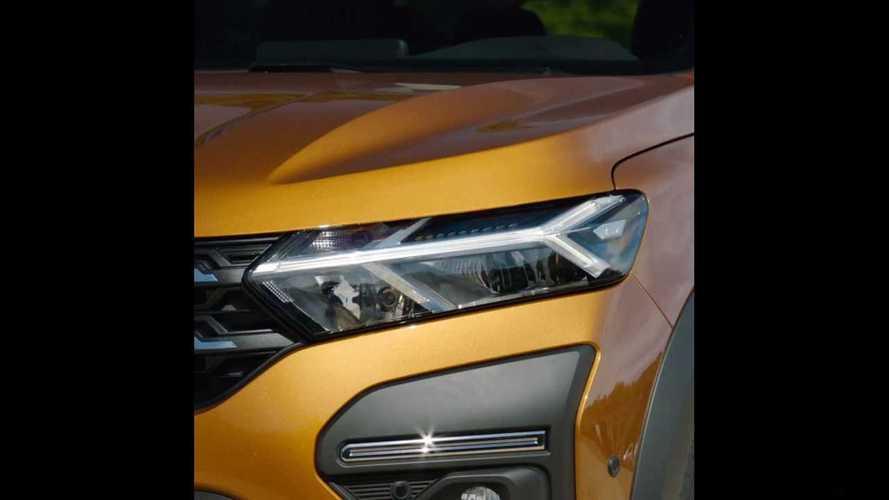 2020 Dacia Sandero, Sandero Stepway ve Logan'dan ilk teaser'lar geldi