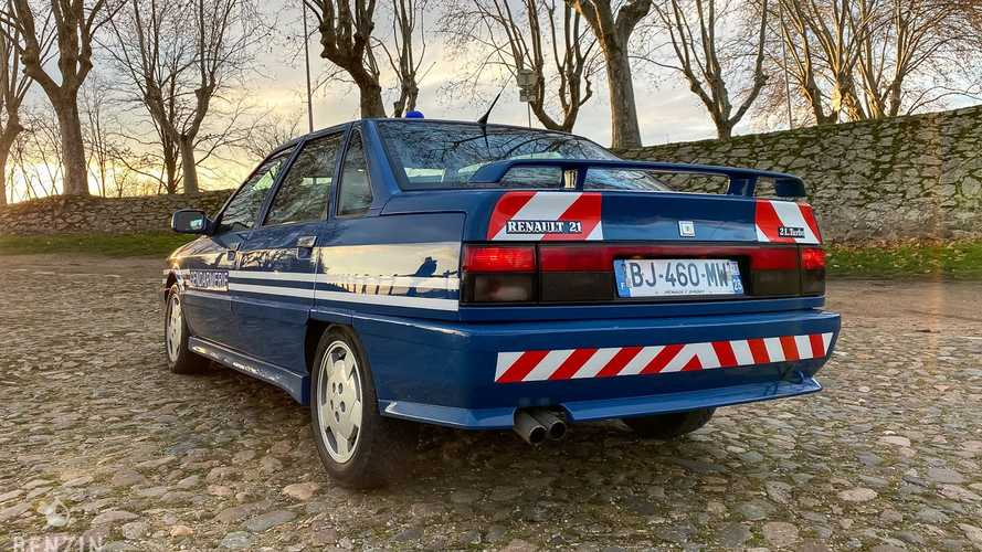 Renault 21 Turbo de la Gendarmería francesa