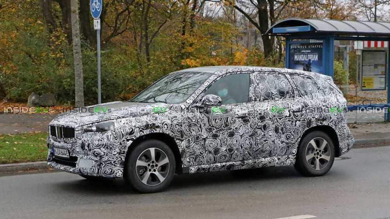 BMW iX1 2022 - flagra - lado