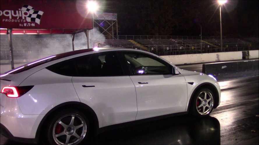 VIDÉO - La Tesla Model Y affronte des Mustang, Taurus et Subaru WRX !