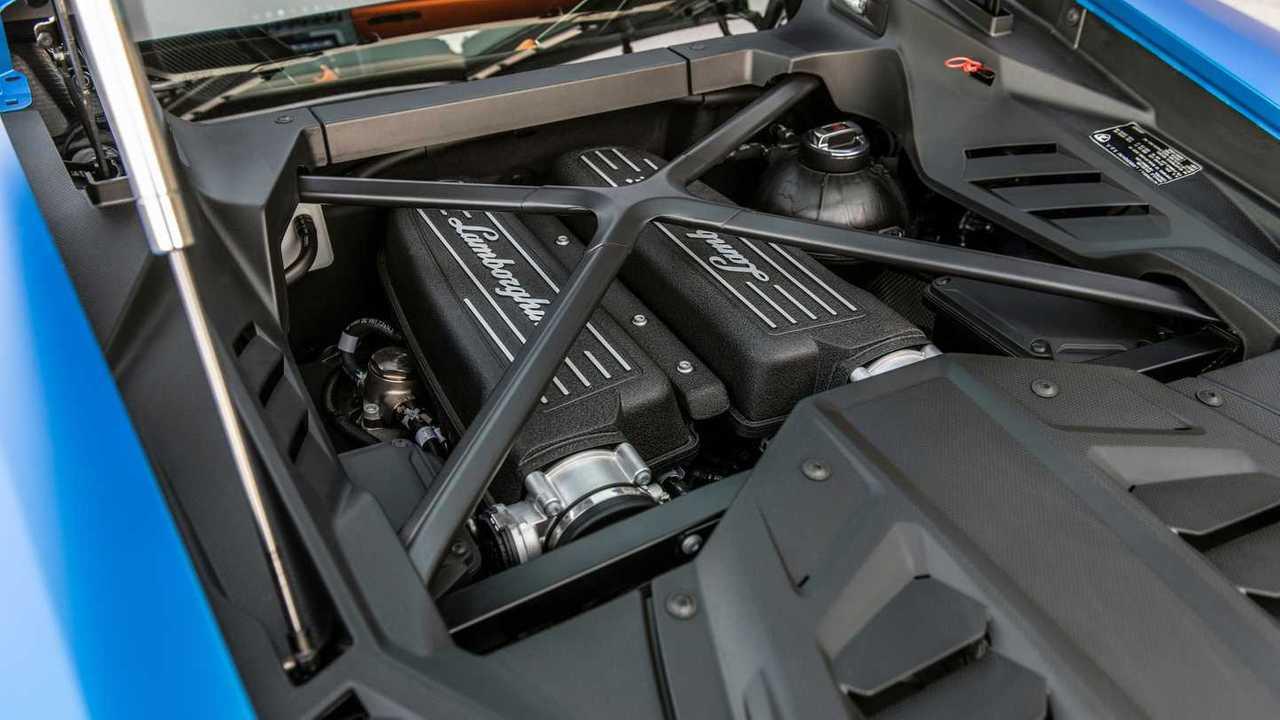 2020 Lamborghini Huracan Evo RWD engine